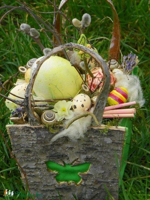 Húsvéti,tojásos egyedi asztaldísz,ajtódísz (galamb70) - Meska.hu