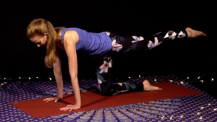 Zlepšite si váš spánok, pomocou jednoduchých večerných cvičení jógy s Evou Sakálovou.