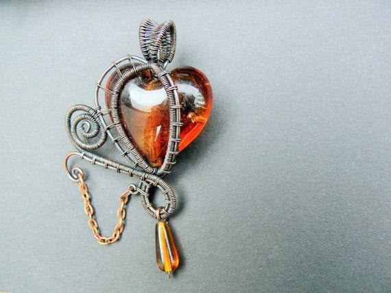 Brown Steampunk Goth Heart Pendant por adornjewels en Etsy