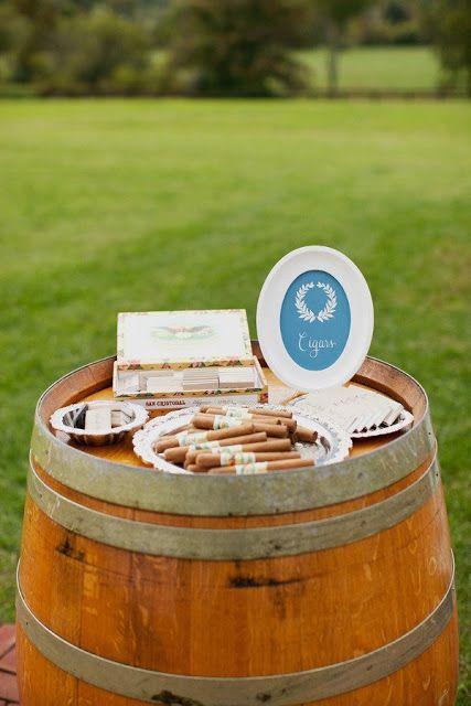 Le bar à cigares, ok, mais à éviter pour le marié: l'haleine terrible pas top pour la nuit de noces !!!! ;))))