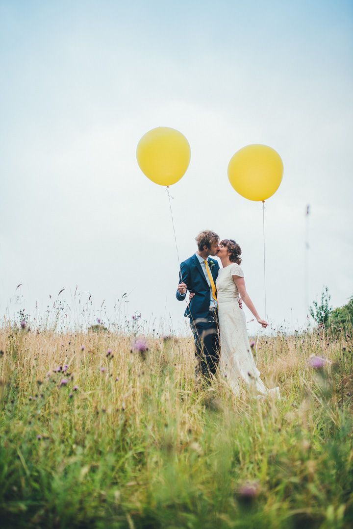 Yellow Balloons Can Make For Some Seriously Stunning Wedding Photos