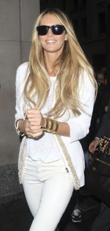All white for summer: White Perfect, White Hair, Hair Colors, All White, Casual Summer, White Outfits, Gold Accent, White Gold, Elle Macpherson