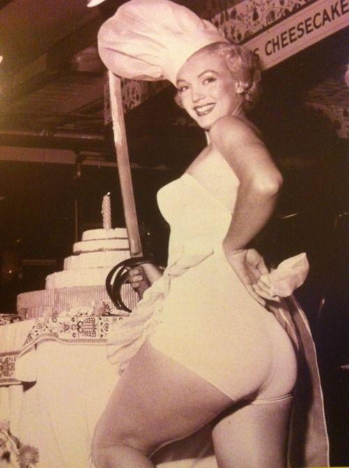 1951 Miss Cheesecake... Marilyn Monroe