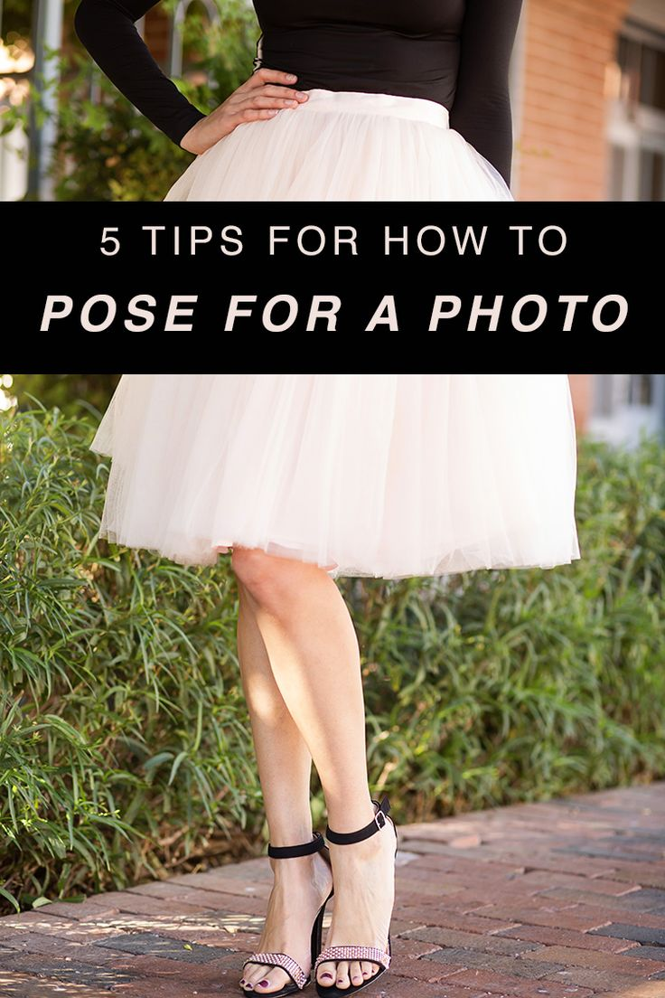 """Say """"happy"""" instead of """"cheese."""" // 5 Tips for How to Pose for a Photo"""