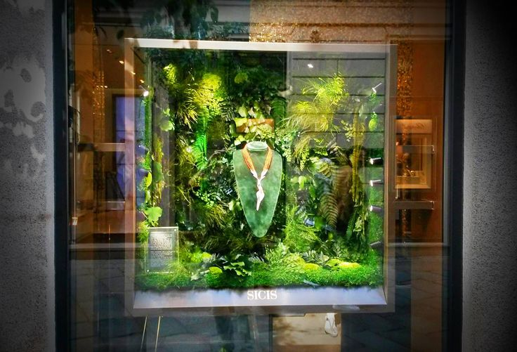 #LinfaDecor custom #green #design decoration for #Sicis #Jewels #boutique in #Milan. Theme: #Forest.