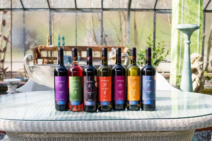Cabernet Sauvignon & Merlot, Rose, Syrah, Chardonnay, Limnio, Malagousia, Sangiovese www.antikleia.de