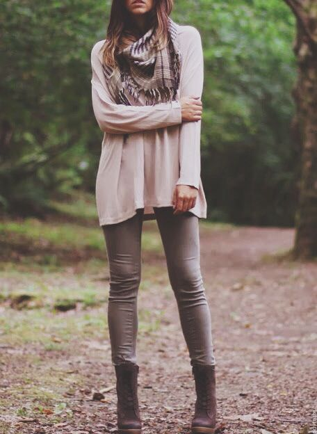 Comfy sweater matched with gray leggings (or jeggings), combat boots.  Top it off with a shaggy infinity scarf, and you're set!