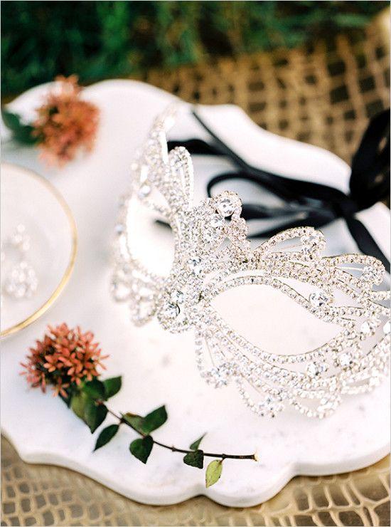 Crystal wedding mask for a masquerade-themed, Halloween wedding // Finch Photo #halloweenwedding #southernwedding #castletonfarms