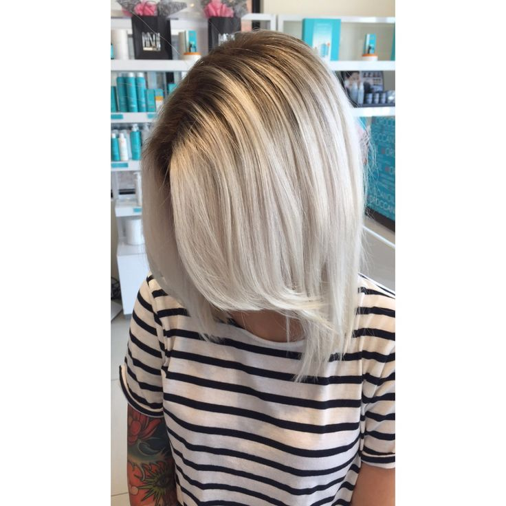 I would definitely go for something like this if I wasn't so afraid to dye my hair. Would you dye your hair this color?
