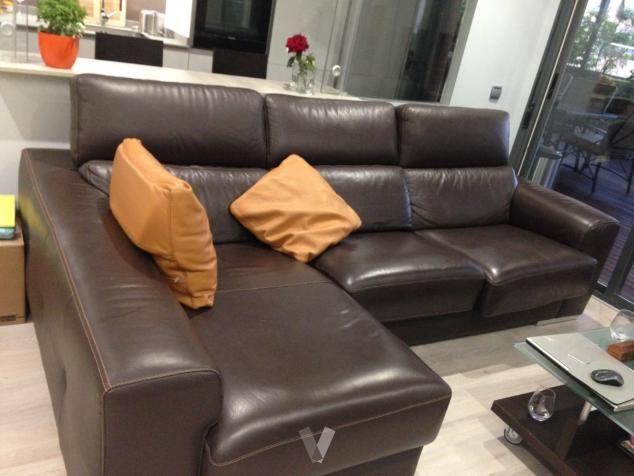 Sofá de cuero marrón oscuro. en Madrid - vibbo - 91580916