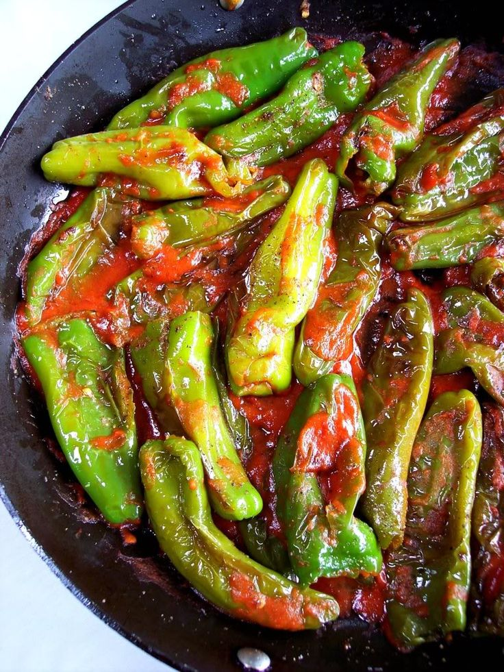 Melrose Peppers, It's a Chicago Thing! - Proud Italian Cook   Going to try this skillet method..simply saute with olive oil, fresh tomato and herbs. Lovely article, interesting read.