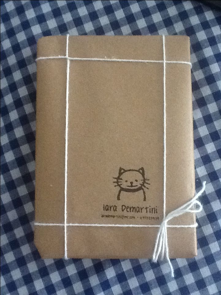 Simple and square | Gift Wrapping
