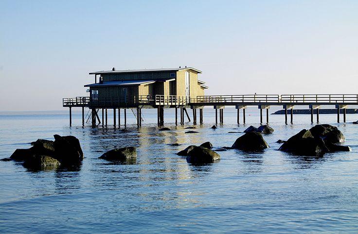 Ladda batterierna vid den vackra Bjäre kusten. Efter en dag på golfbanan kan du njuta av en riktigt bra Spa upplevelse. Koppla av i den varma poolen, bastun eller i det unika kallbadhuset.