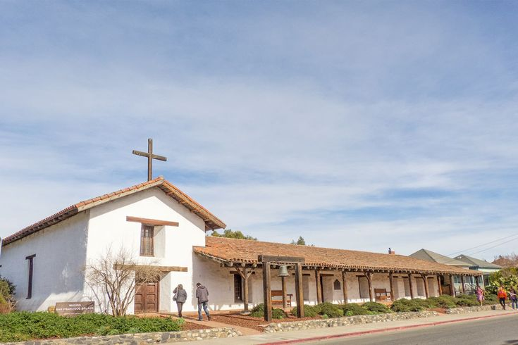 Sonoma Mission - history, historical and current photographs, resources for Mission San Francisco Solano in Sonoma, CA
