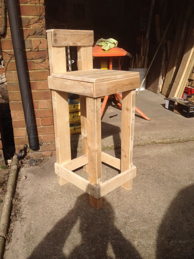 14 Best Images About Pallet Table On Pinterest Bar