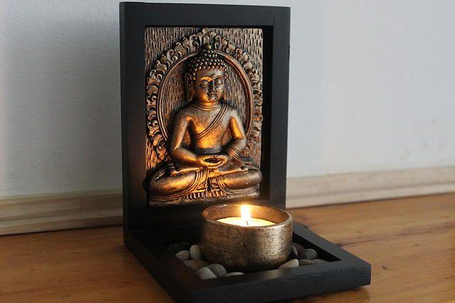 Portavela Buda  Medidas: 8 x 8 cms base 12 cms de alto Precio: $ 10.390.- Para comprar comunicarse al +56 9 66986319