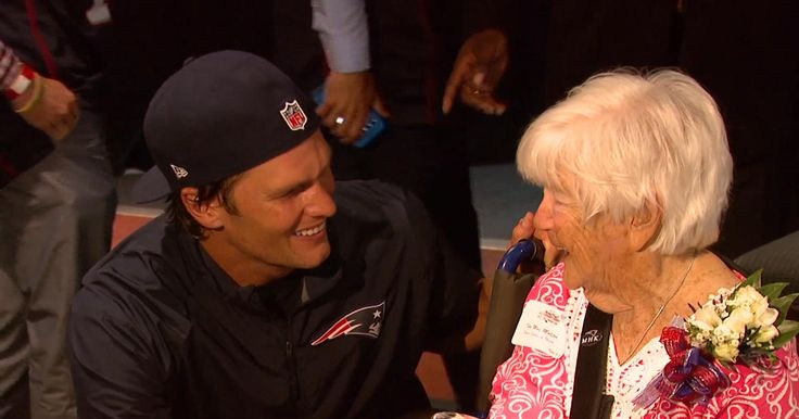 Twenty-six volunteers from across New England are honored for their efforts in the community and get a surprise from two of the Patriots greatest, as we bring you inside the 2016 Myra Kraft Community MVP Awards on this edition of Toyota's Patriots Today.