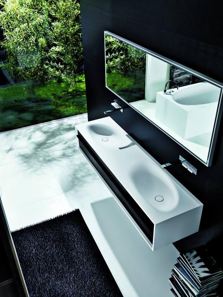 Falper Shape three drawer vanity with double washbasin / Vanité double-lavabo avec trois tiroirs