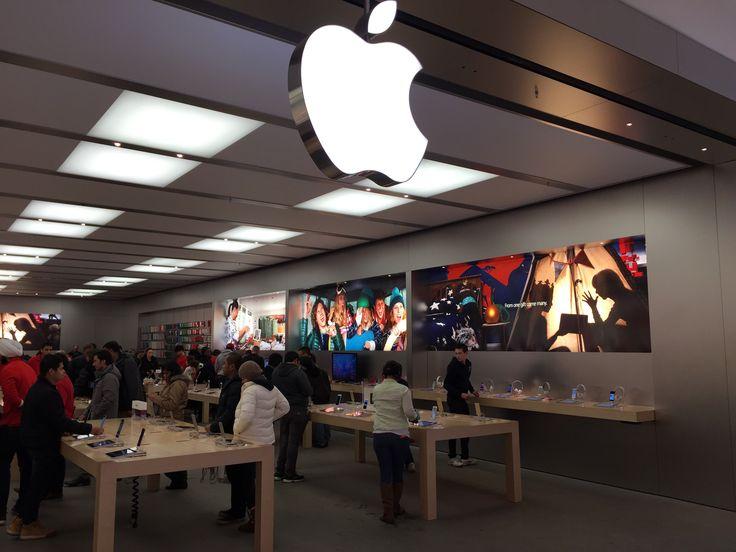 Apple_Edmonton Southgate - Apple má novou retailovou strategii. Již není vše jen o produktu, jak tomu bylo donedávna. Dnes jde Applu hlavně o zákazníka a o to, co vše může s produkty Apple dokázat.