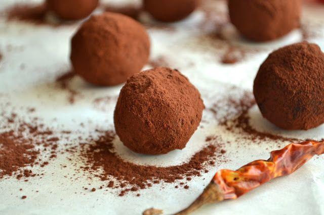 Faça uma deliciosa trufa de chocolate com pimenta