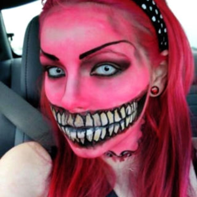 cool halloween face paint - Female Halloween Face Painting