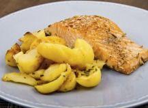 """750g vous propose la recette """"Pavés de saumon au barbecue"""" notée 4/5 par 28 votants."""