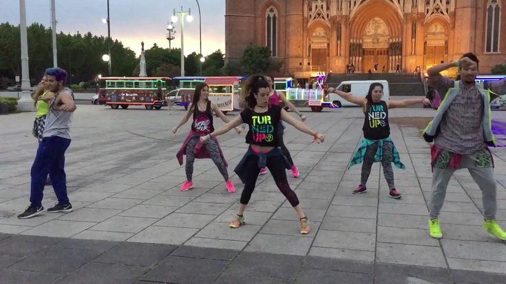 Cheap Thrills – Sia ft. Sean Paul – Zumba® – Dance Point Argentina  Video  Description #Zumba® en la ciudad de La Plata. Clases de Zumba Fitness, Zumba Kids, Zumba Kids Jr., Zumba Gold y Strong by Zumba en La Plata.  Dirección: 7 n*540 e/42 y 43 (La Plata)  Contacto con... - #Videos https://healthcares.be/videos/dance-tips-video-cheap-thrills-sia-ft-sean-paul-zumba-dance-point-argentina/