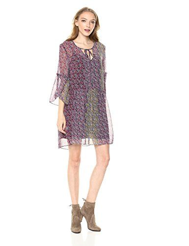 Confetti floral chiffon dress with the pleated skirt look  http://darrenblogs.com/us/2018/03/02/bcbgeneration-womens-confetti-floral-chiffon-dress/
