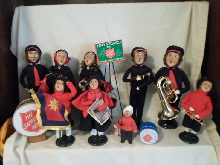 LARGE LOT OF 9 BYERS CHOICE CAROLERS & SALVATION ARMY BAND LOT