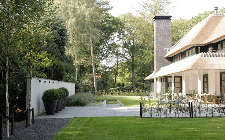 9 best images about moderne villa tuin modern villa garden on pinterest villas urban - Moderne tuin ingang ...