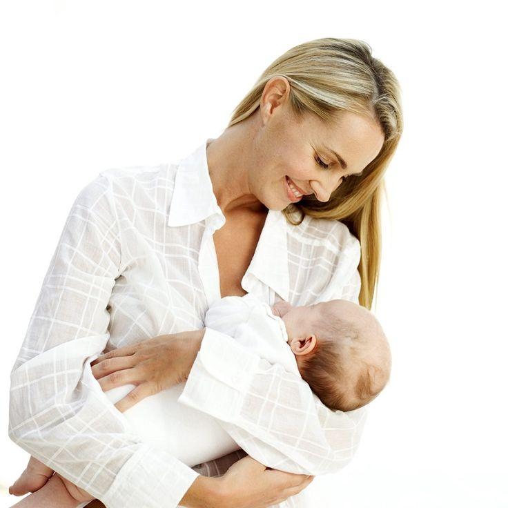 Normal şartlarda protein, karbonhidrat ve kalsiyum gibi vücut için vazgeçilmez maddelerin bu dönemde tüketilmesi gerekiyor. Ancak bazı anneler için bu durum farklı işliyor. Çünkü bebeğinde inek sütü alerjisi olan bebek annelerinin
