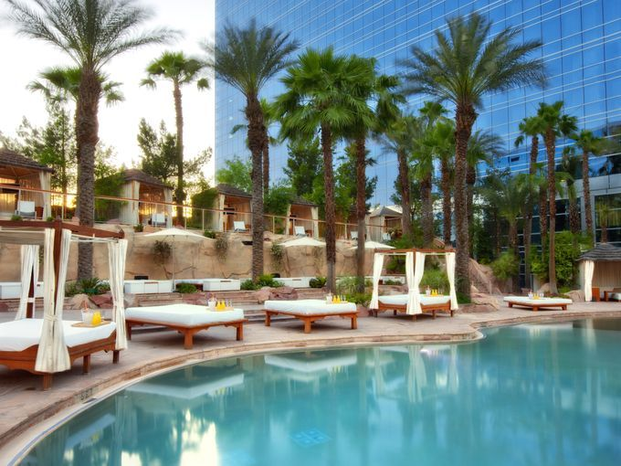 10 Best Resort Swimming Pools Around America Atlantic City Nj Harrah 39 S Resort Ac In The