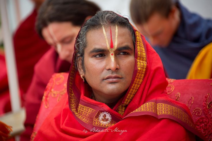https://flic.kr/p/A6EYZ5 | Dussera 2015 with Sri Swami #Vishwananda | Now that Navaratri is complete, there is still one more night to sum it up. Dussehra is celebrated on the tenth night, and is a celebration of Goddess Durga's victory over the tyranny of demons. It reminds us all of the Mother's Love and Her power to vanquish all that stands between us and our ultimate goal: to gain salvation and attain the Divine.  Find out more: www.bhaktimarga.org  #bhaktimarga