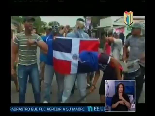 Queman Bandera De Haití En Santiago RD #Video