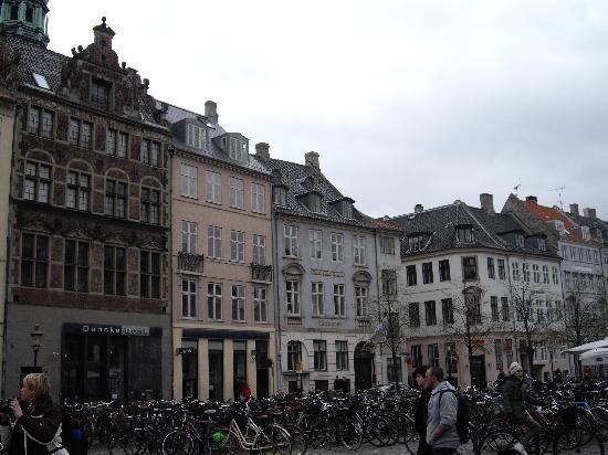 Hojbro Plads просто какая-то красивая площадь