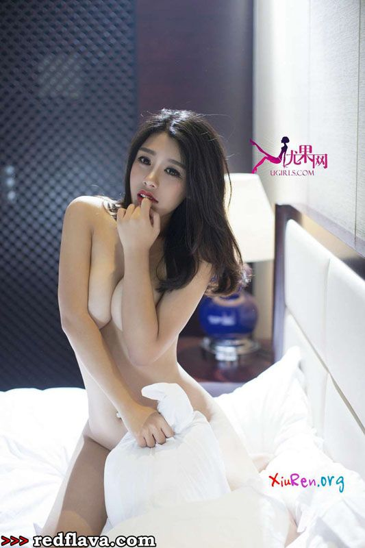 Sexy petite naked asian