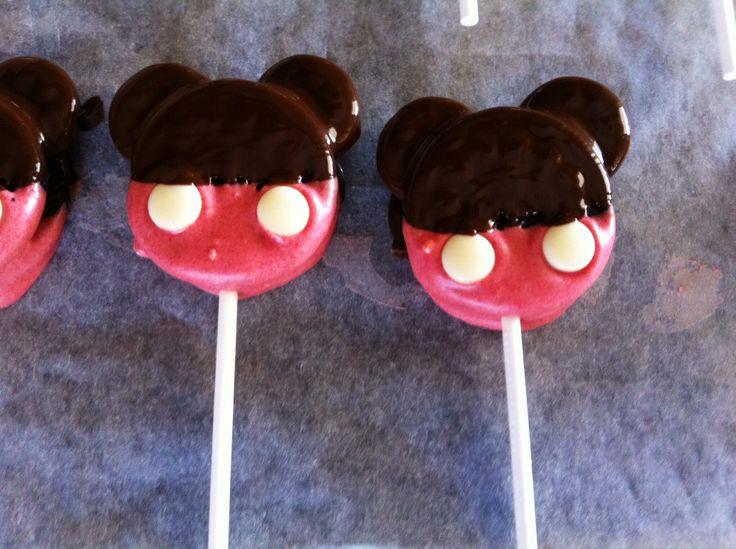 Mickey Oreo cake pops