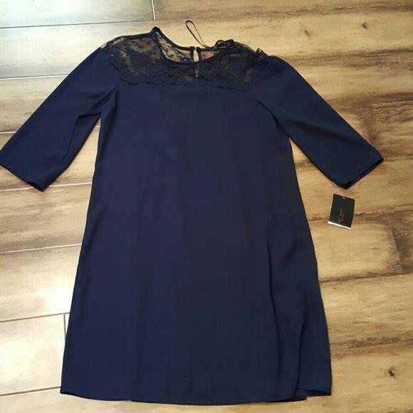LIMTED TIME SALE Classy navy blue ZARA dress Beautiful navy blue ZARA dress ...the top part is lace..price is firm Zara Dresses Midi