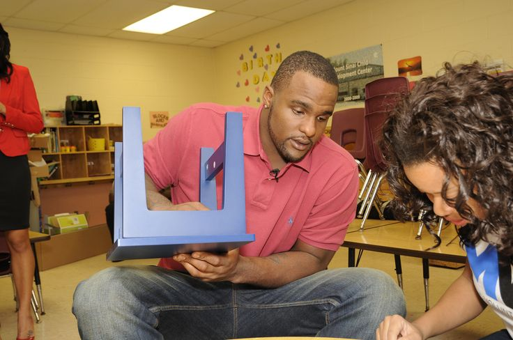 Orlando Magic's Glen Davis Helps Build a Reading Corner for Youth to Promote Literacy
