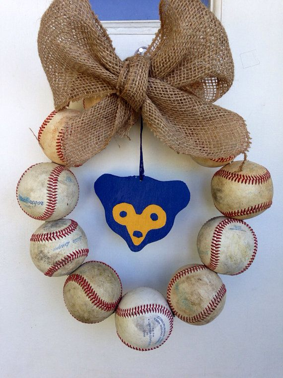 Chicago Cubs Retro Burlap Baseball Wreath by NTgoodthings on Etsy  -