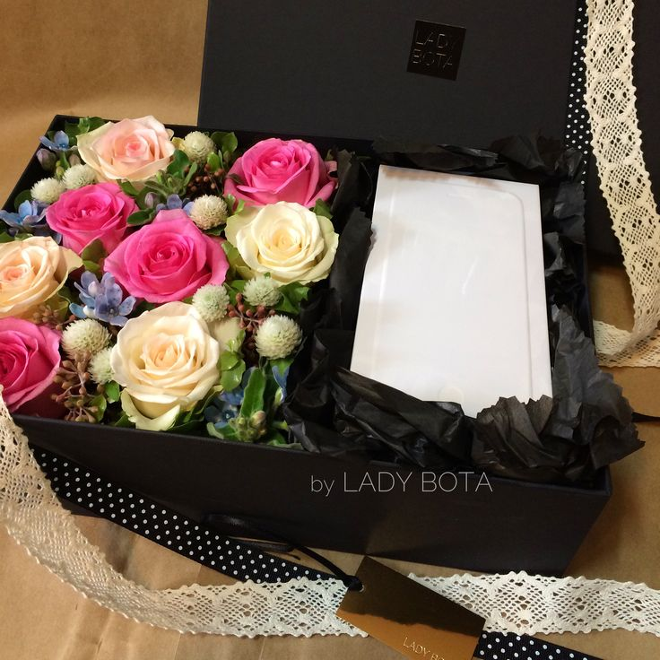 my client wanted iPhone6 to be in the flower box! it is for unbosoming himself to his loved one. (hope this is a great gift for both of them) (www.ladybota.com)