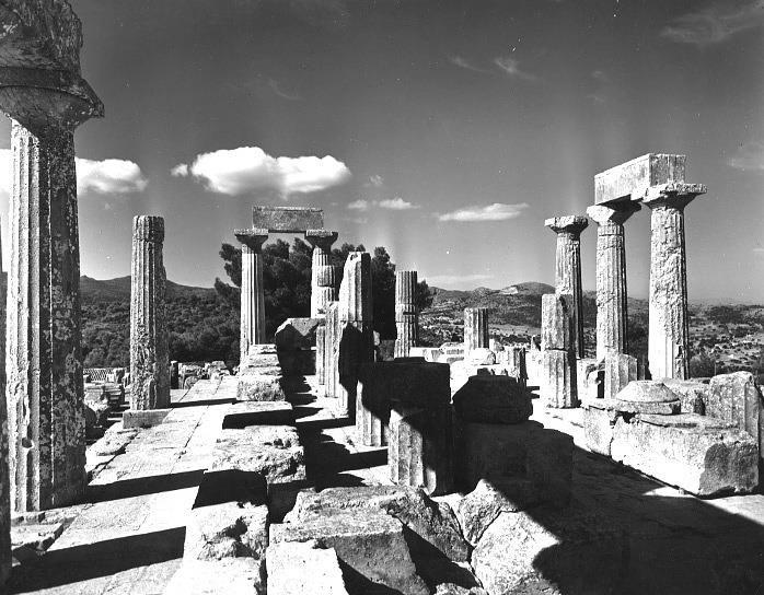 Alison Frantz Αίγινα 1952. Άποψη του ναού της Αφαίας Αθηνάς .