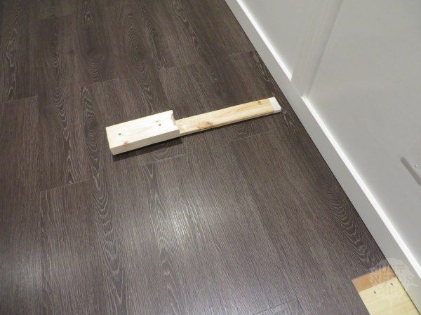 How To Install Click Laminate Flooring Without Removing Baseboards Just Needs Paint Click Laminate Flooring Laminate Flooring Removing Baseboards