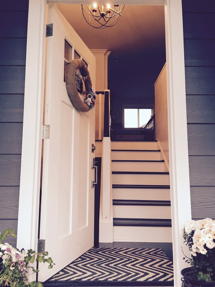 Entrance Foyer And Circulation In House : Best ideas about raised ranch entryway on pinterest
