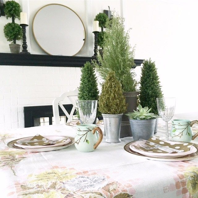 Gorgeous green table all set for a family get together! (by @CareyMBender )