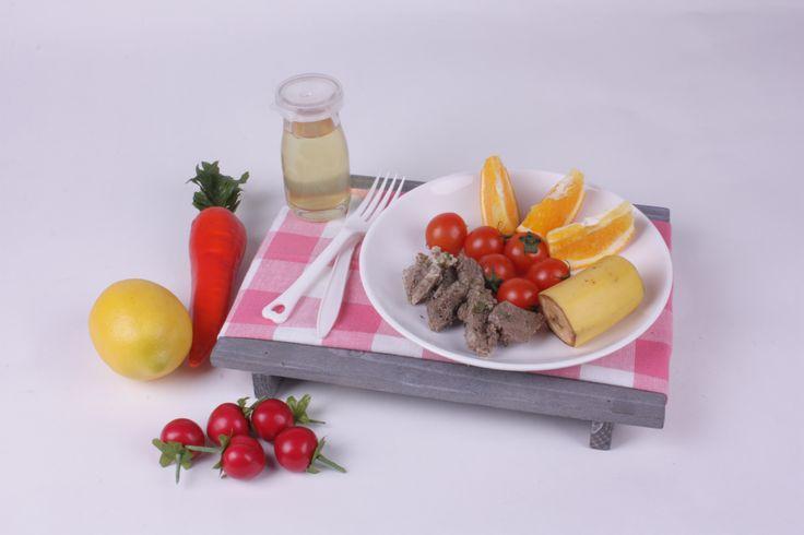 """조히원 덴다 2일차 """"저녁식단"""" -소고기스테이크, 오렌지,방울토마토,바나나,커피"""