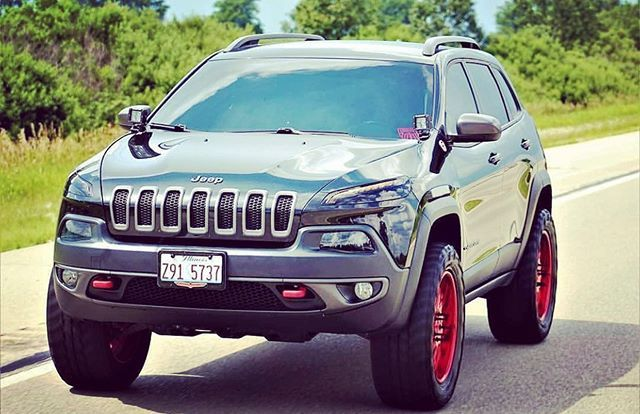 Mfcmonday Lftdhawk Kl With Her Mfc 3 Lift Along With Other Mfc Accessories Give Them A Like A Lifted Jeep Cherokee Jeep Cherokee Trailhawk Jeep Cherokee