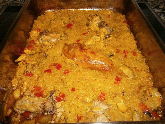 """Arroz con Pollo y Vegetales (Al Horno)   La Cocina de la Abuela -Como siempre un plato sencillo, con ingredientes económicos y muy sabroso. Una comida o una cena fácil y rápida. Ideal para """"dar salida"""" a el pollo asado sobrante de la comida o de la cena anterior."""