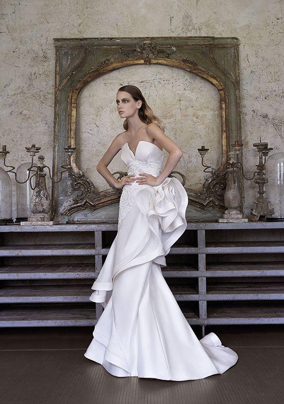 Collezione Signature 2014 - Elisabetta Polignano: abito strutturato e con decorazioni a tema  #wedding #weddingdress #weddinggown #abitodasposa