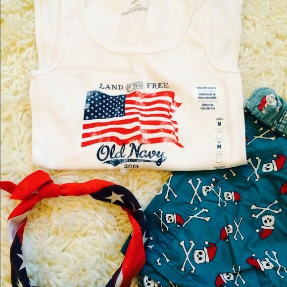 NWT Land of the Free Tank! ❤️ 2013 Land of the Free tank! NWT - perfect condition, no tears or stains. Boxers for sale in separate listing! Bandana not for sale ❤️ Old Navy Tops Tank Tops